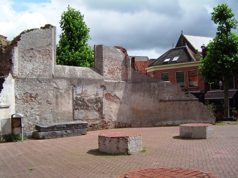Ruines d'édifices religieux - Page 5 800px-13
