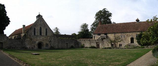 Ruines d'édifices religieux - Page 4 Beauli10