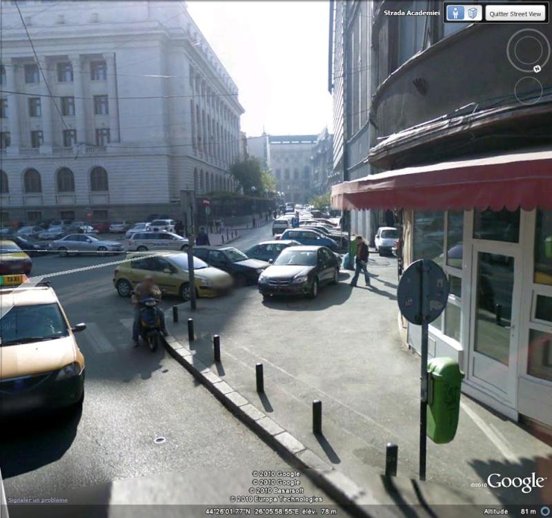 STREET VIEW : voiture bloquée à Bucarest ( Roumanie ) Bloqua11