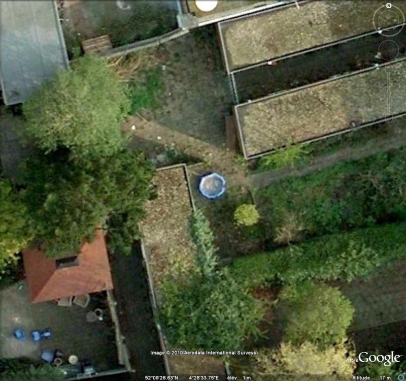 Les piscines du Monde découvertes avec Google Earth - Page 10 Coquil10