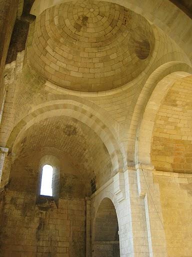 Ruines d'édifices religieux - Page 4 Img_1410