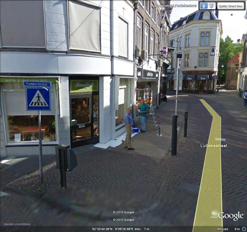 Street View : On repeint une facade à Assendorp ( Pays-bas ) Peintu11