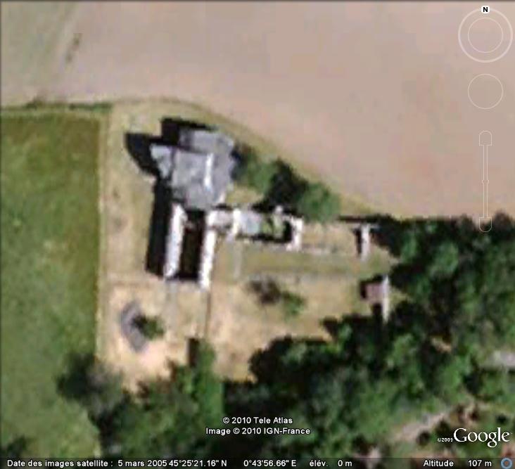 Ruines d'édifices religieux - Page 4 Ruines12