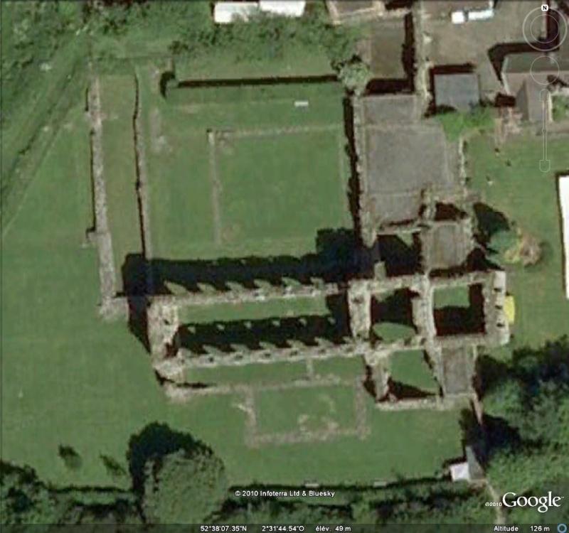 Ruines d'édifices religieux - Page 5 Ruines20