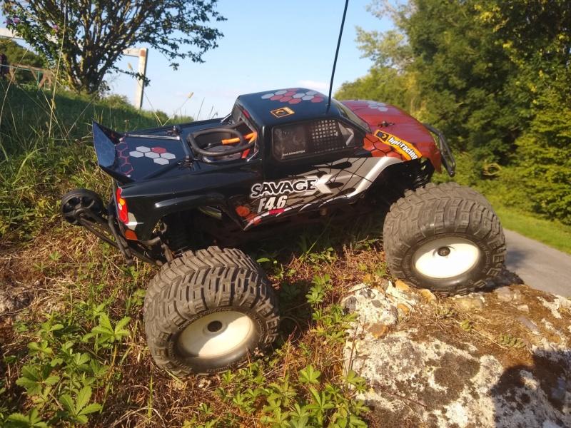 Hey !! Je suis de retour avec ... juste un chassis !!! - Page 2 Img_2011