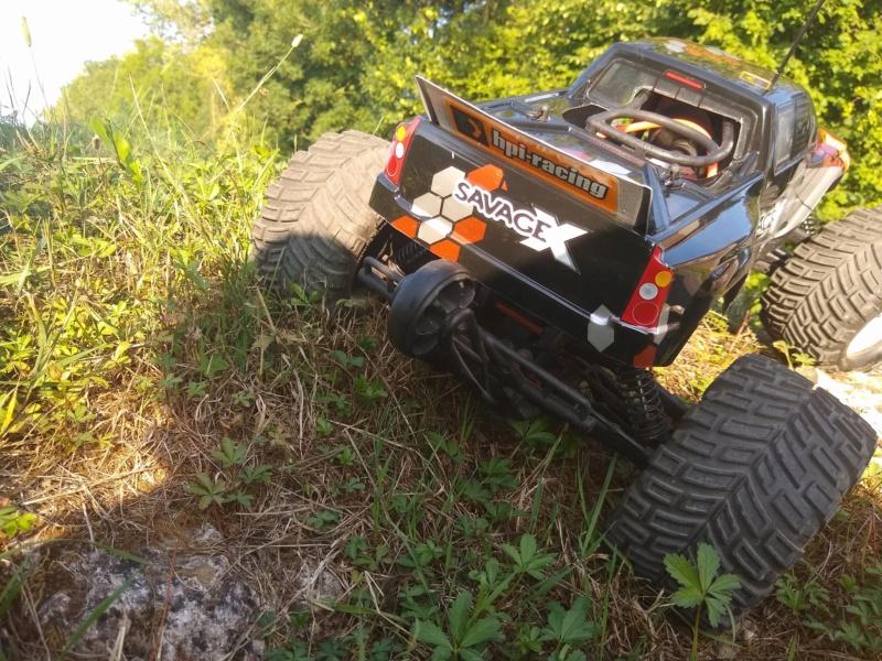 Hey !! Je suis de retour avec ... juste un chassis !!! - Page 2 Img_2012