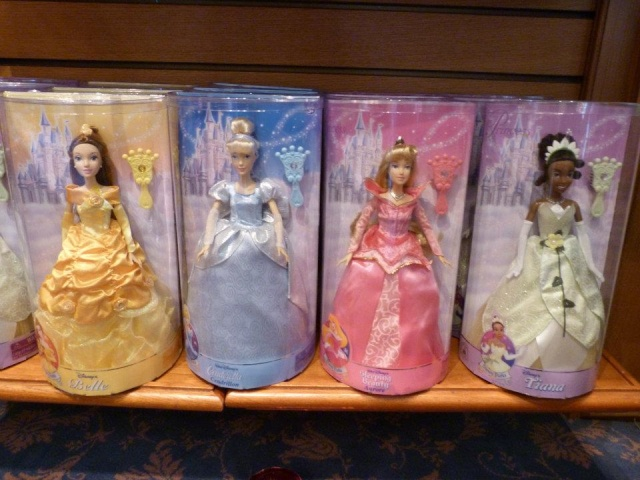 [Disney Store] 2012 : l'Année des Princesses - Page 13 37664511