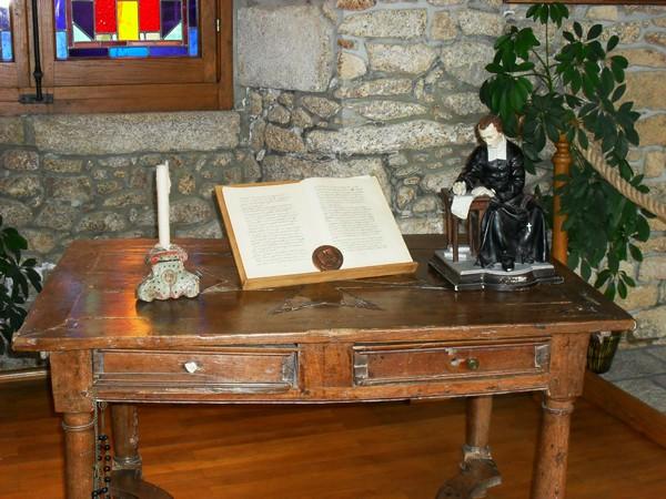 Los kuv coj nej mus xyuas tus Leej Ntshiab Saint Louis Grignion-Marie de Montfort  Sdc11614