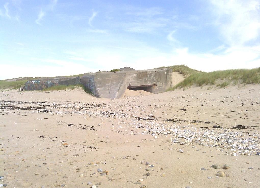 [ Histoires et histoire ] Fortifications et ouvrages du mur de l'Atlantique Ploupl12