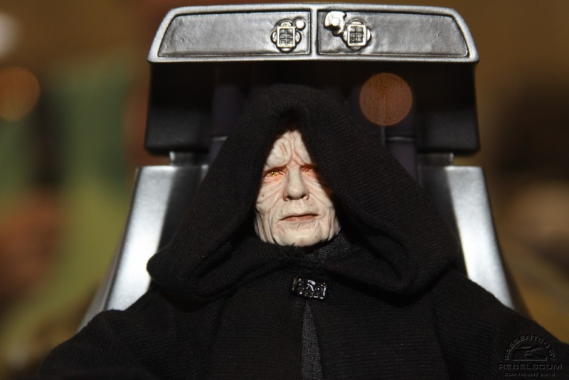 Emperor Palpatine 12-inch Figure and Imperial Throne Environ Img_0410
