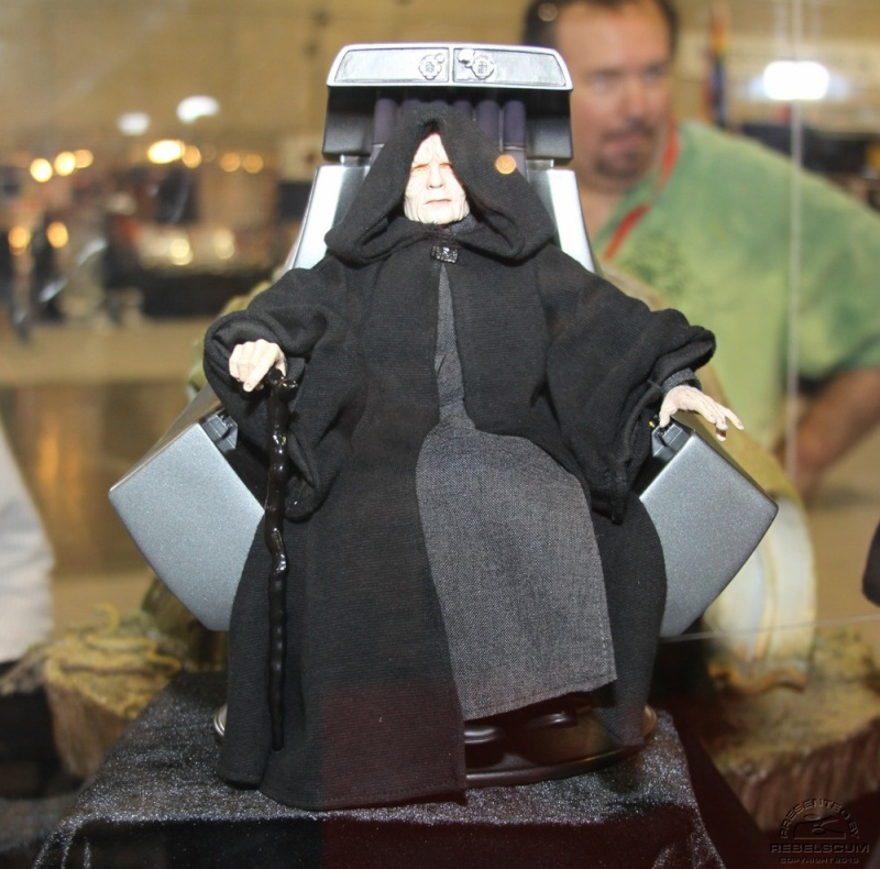 Emperor Palpatine 12-inch Figure and Imperial Throne Environ Img_0412