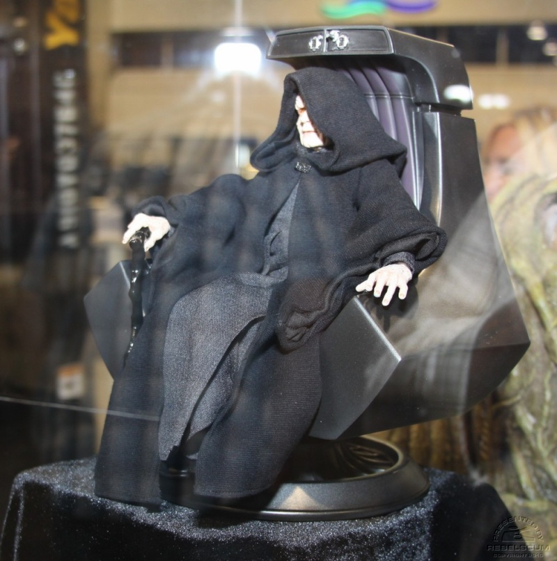 Emperor Palpatine 12-inch Figure and Imperial Throne Environ Img_0413