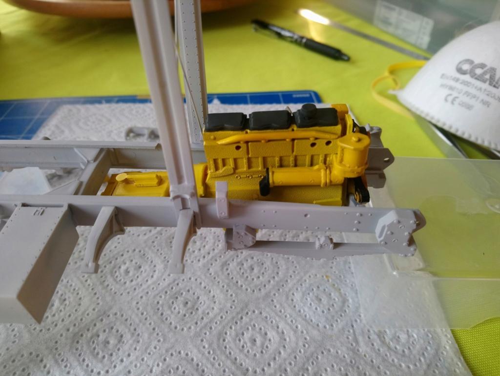 [AMT] 1/25 - White Freightliner SD Dsc_0454