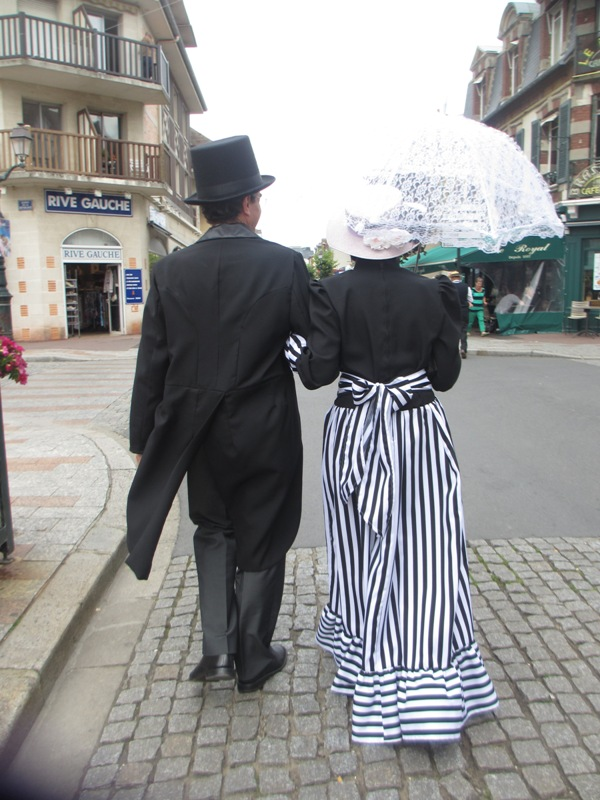 Notre weekend Belle époque a Cabourg ( photos) 4 et 5 aout 2012 2012-014