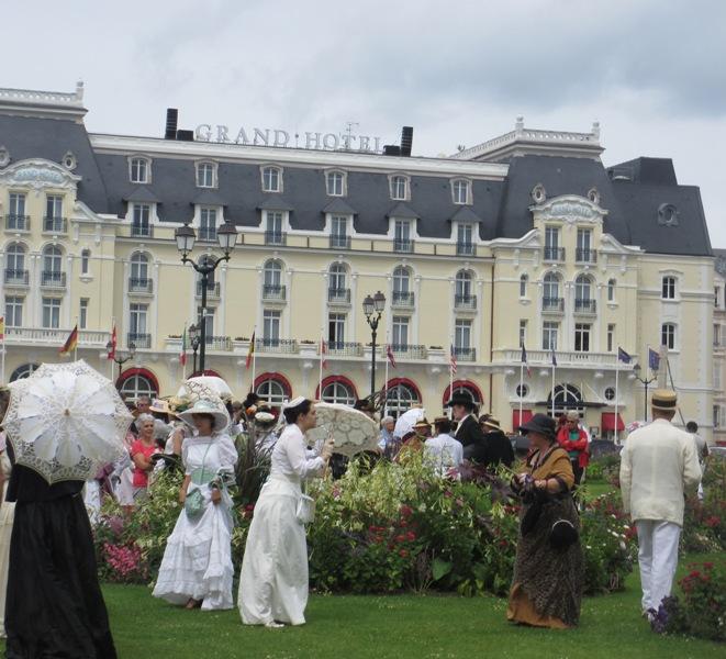 Notre weekend Belle époque a Cabourg ( photos) 4 et 5 aout 2012 2012-015