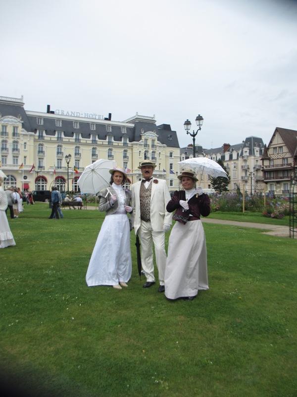 Notre weekend Belle époque a Cabourg ( photos) 4 et 5 aout 2012 2012-018
