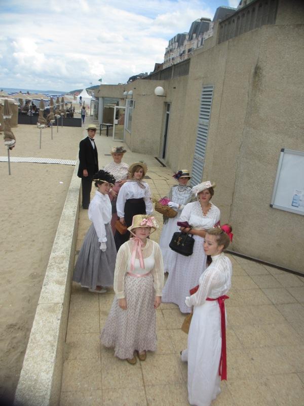 Notre weekend Belle époque a Cabourg ( photos) 4 et 5 aout 2012 2012-032