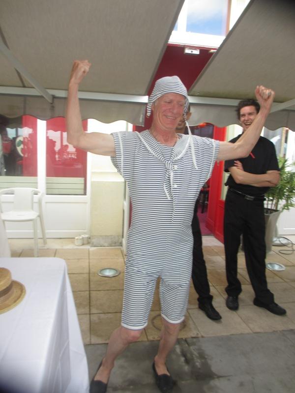 Notre weekend Belle époque a Cabourg ( photos) 4 et 5 aout 2012 2012-033
