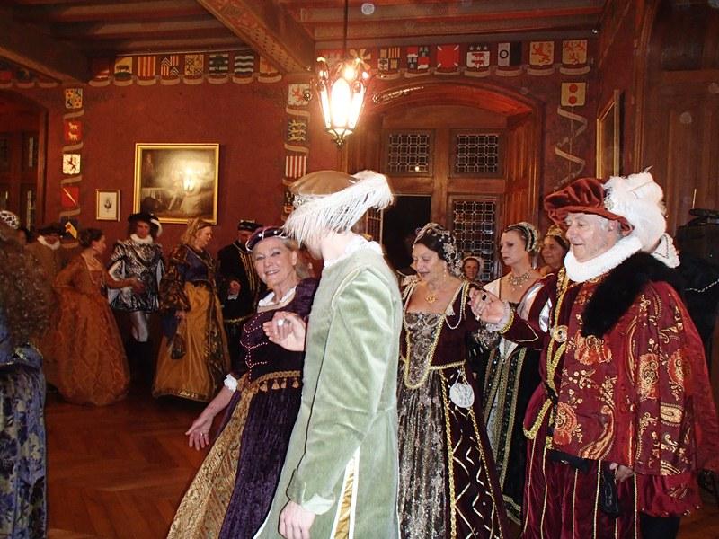 Bal Renaissance Chateau de  Courtanvaux le 20 Octobre 2012, les photos ! Pa200110