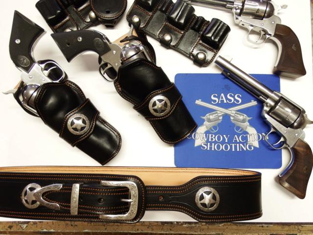 "HOLSTERS S.A.S.S. : ""STARDUST"" (suite)  Dscf1610"