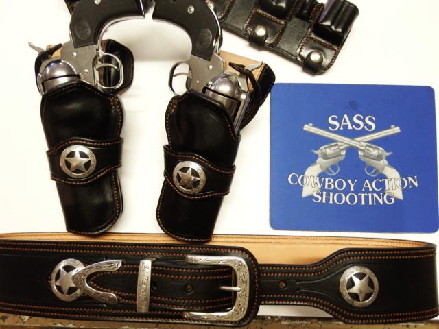 "HOLSTERS S.A.S.S. : ""STARDUST"" (suite)  Dscf1618"