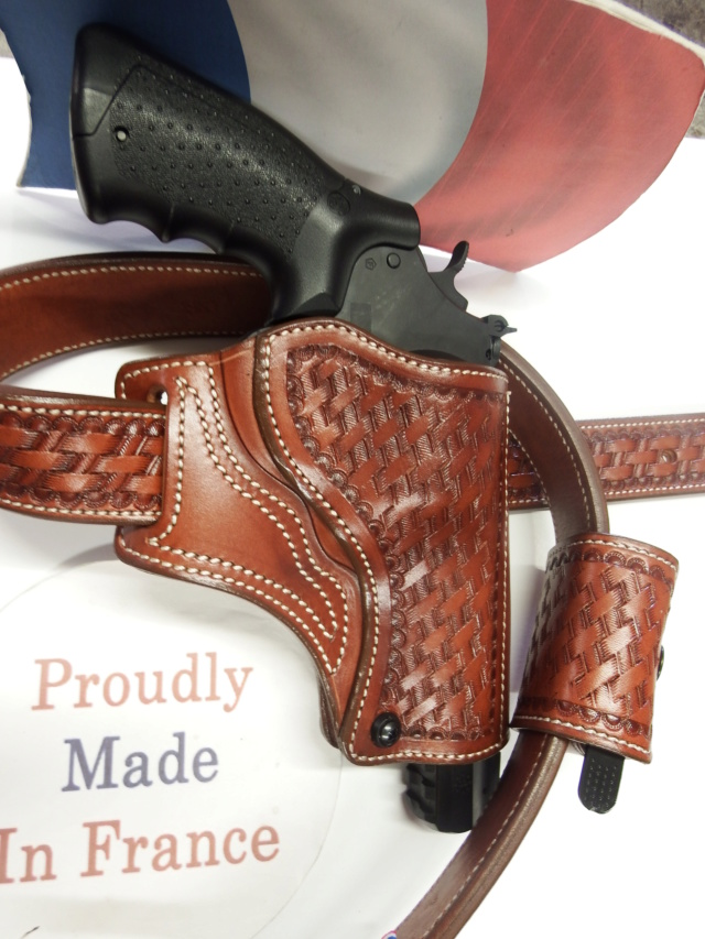 """HOLSTER """"STAND"""" by SLYE  - Page 2 Dscf1779"""