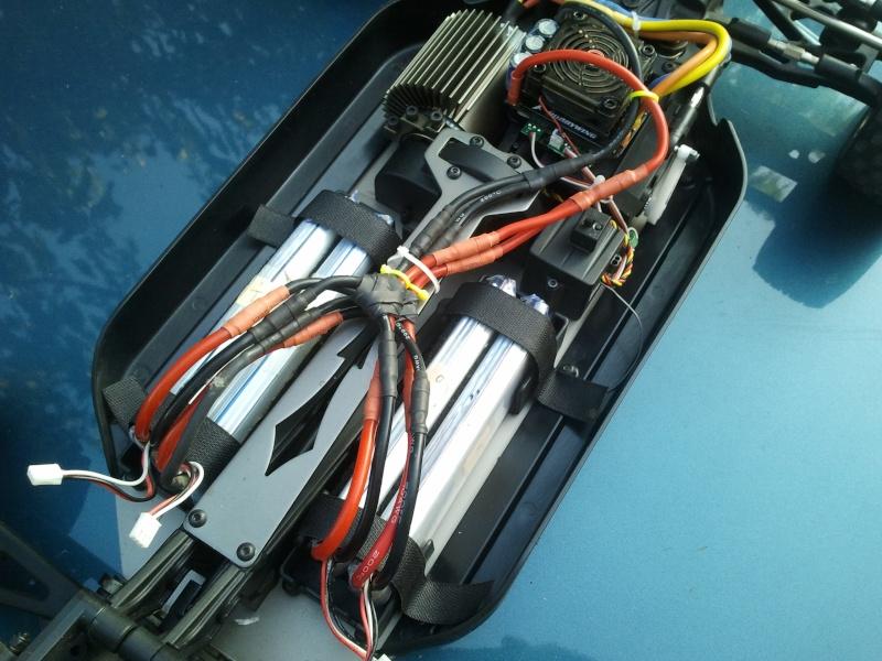 [VENDS] NINCO E MAXIM TT 1/5 BRUSHLESS 4x2s 5000 mha  2012-033
