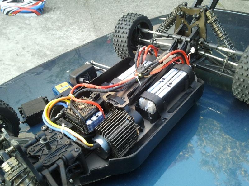 [VENDS] NINCO E MAXIM TT 1/5 BRUSHLESS 4x2s 5000 mha  2012-041