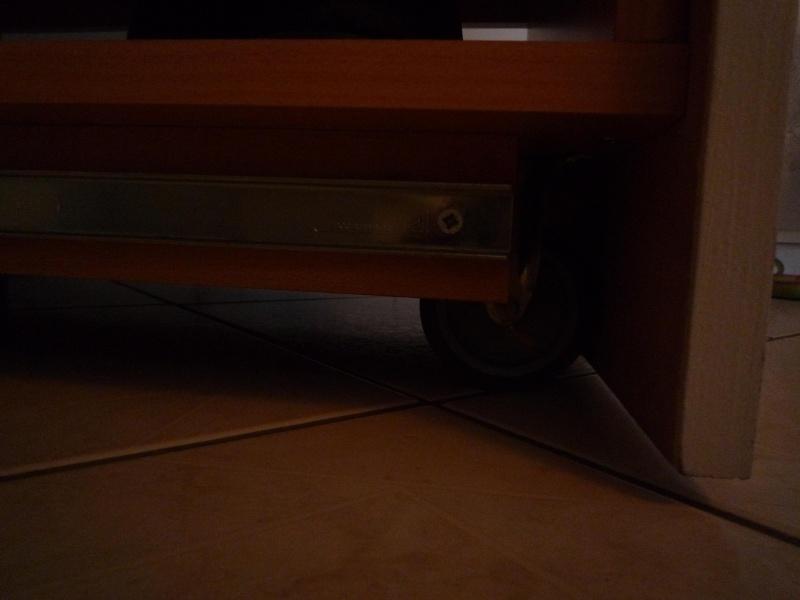Aménager sous un escalier ..  COCO et bricolos, question please en p2 - Page 3 P1030011