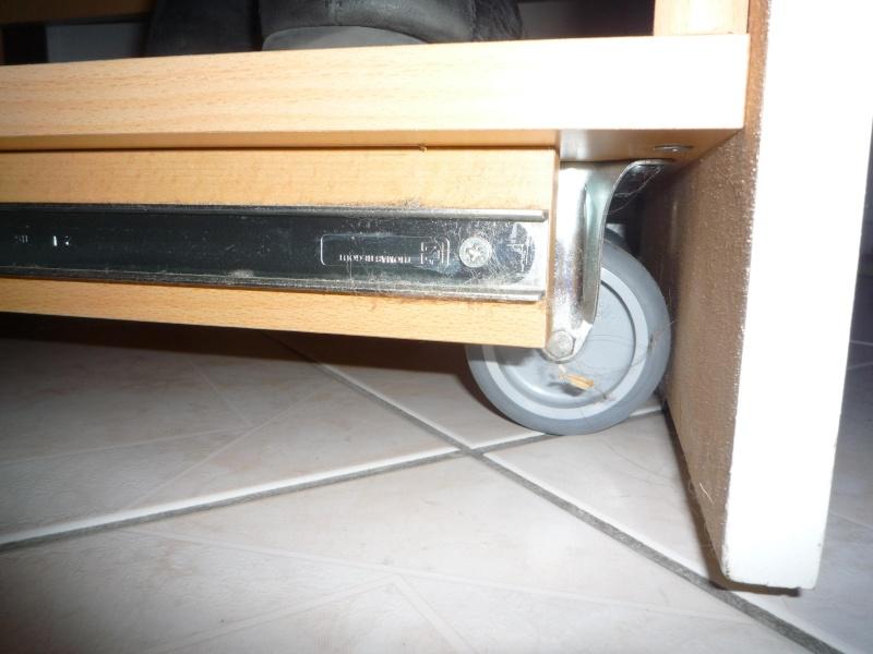 Rangement tiroir sur roulettes P1030012