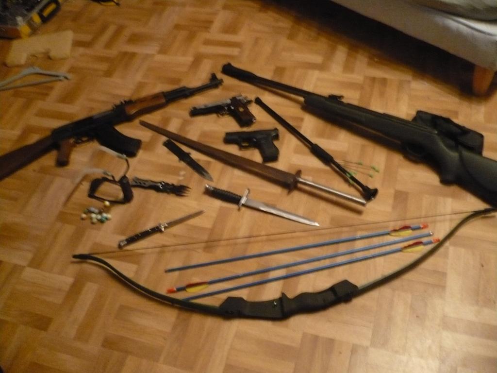 La Collection d'armes, couteaux, et autre de Smith87  P1020519