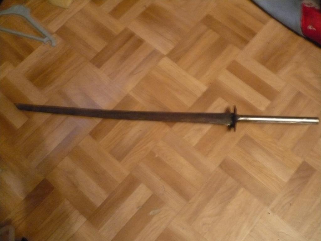 La Collection d'armes, couteaux, et autre de Smith87  P1020522
