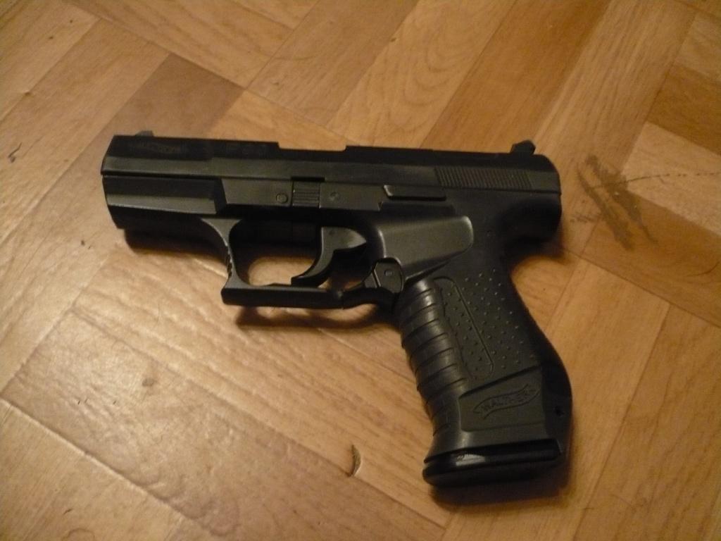 La Collection d'armes, couteaux, et autre de Smith87  P1020528
