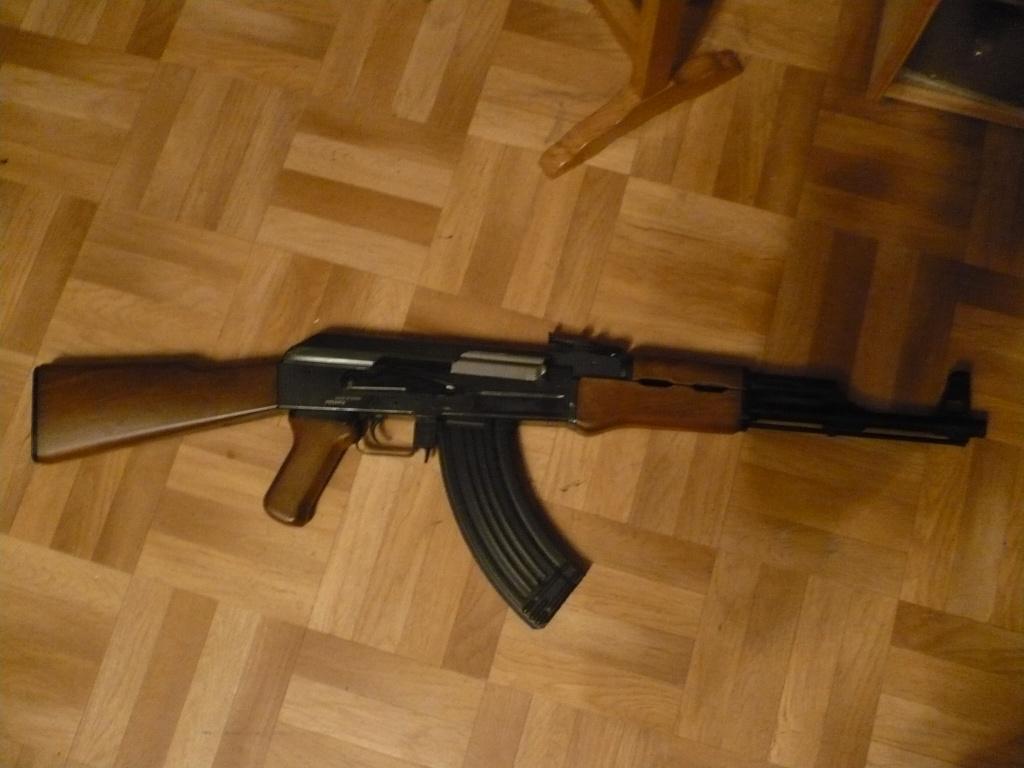 La Collection d'armes, couteaux, et autre de Smith87  P1020529