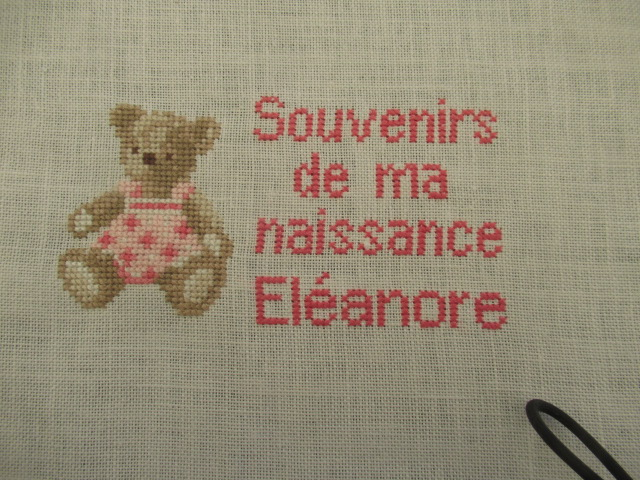 Broderie pour une naissance Img_1624