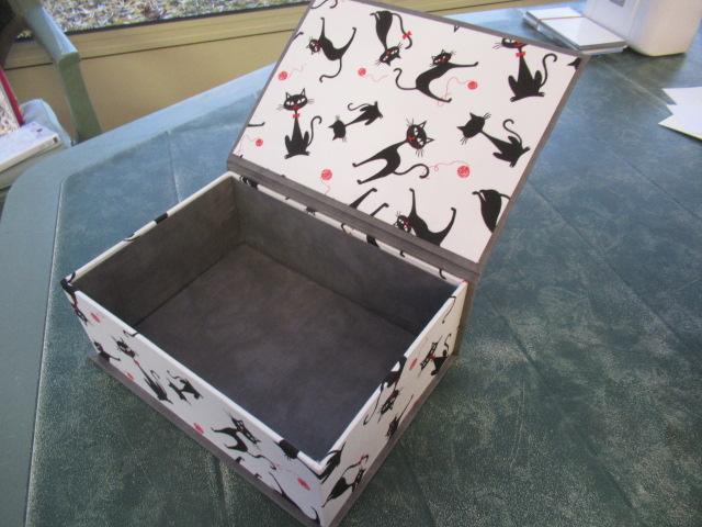 les 3 chats ou les curieux :boites faites Img_4613