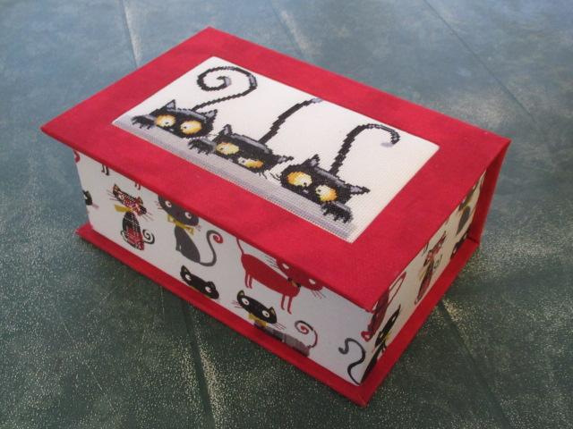 les 3 chats ou les curieux :boites faites Img_4614
