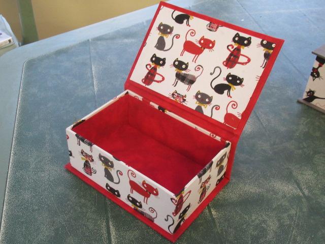 les 3 chats ou les curieux :boites faites Img_4615