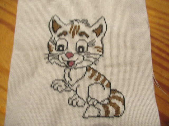 mon petit chat Broderie terminée Img_8016