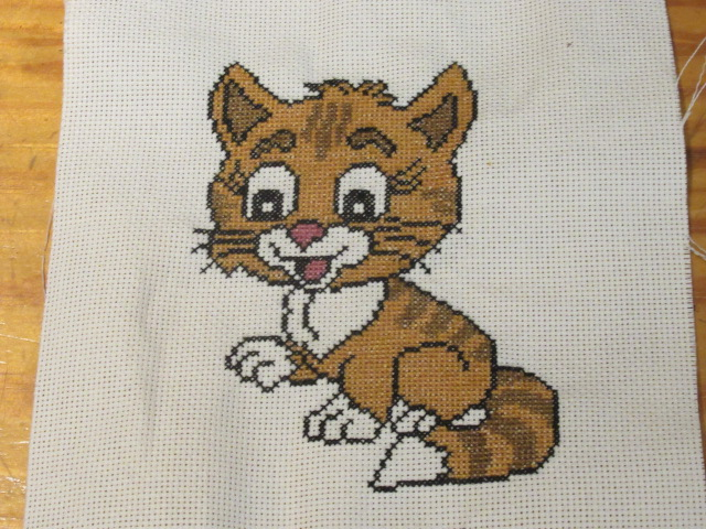 mon petit chat Broderie terminée Img_8021