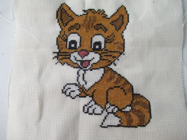 mon petit chat Broderie terminée Img_8022
