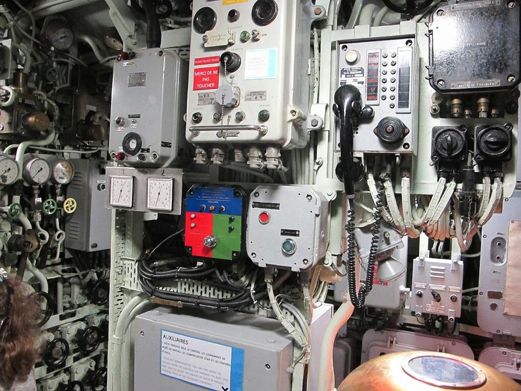 Sous-marin classe Daphné (scratch demi-coque 1/50°) par demicoque 1200px10