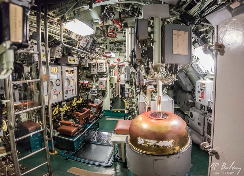 Sous-marin classe Daphné (scratch demi-coque 1/50°) de domicoque - Page 2 Poste_11