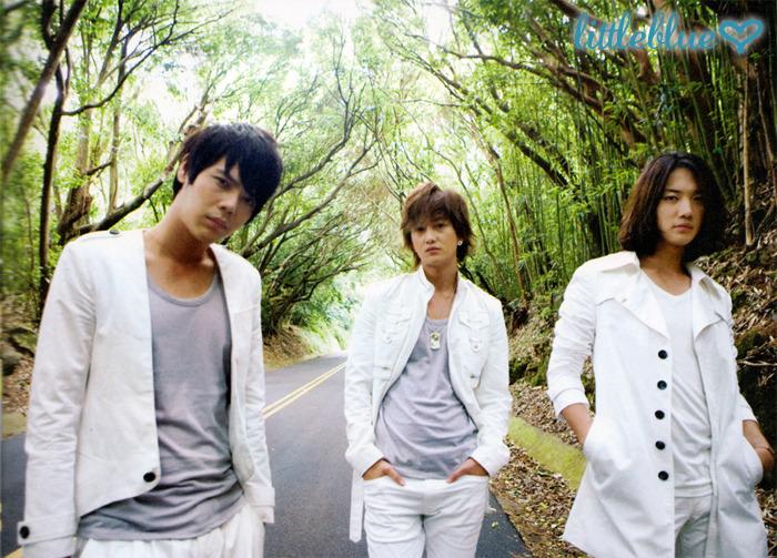 """[PICS Officiel] Album """"Time to Shine"""" 2d11im10"""