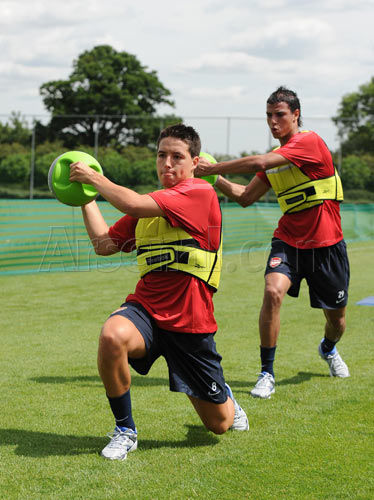 First training session ( Chamakh ) with Arsenal  Gun_1222