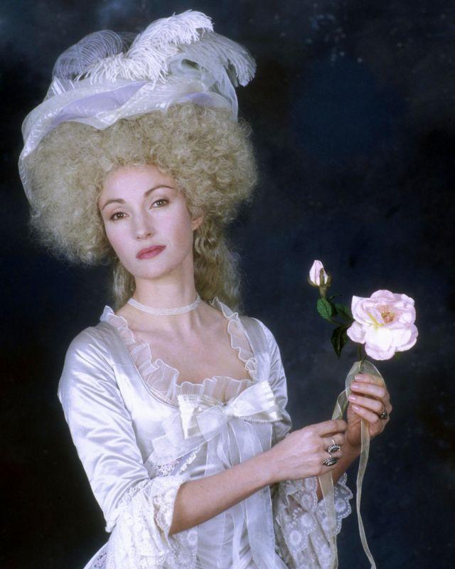 """Marie Antoinette dans """"l'ombre d'un doute"""" - Page 3 Jane_s10"""