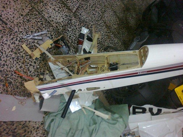 Vedio Atterrissage d avion rc RV-4 211