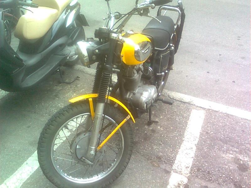 Foto di moto d'epoca o rare avvistate per strada Immag010