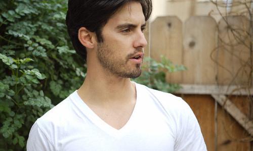 PAUL PHILLIPS ; Milo Ventimiglia (LIBRE) Milove10