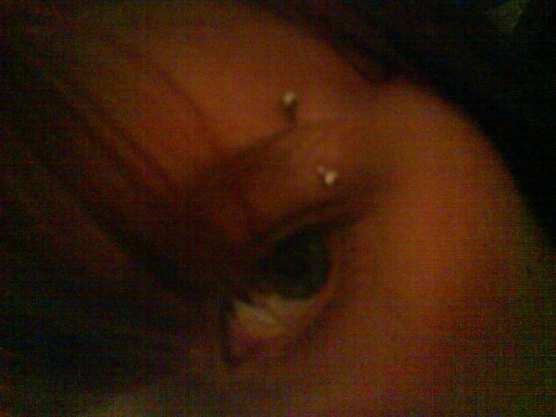 Quelques photos de moi (tatoo et piercings) lol Dsc04910
